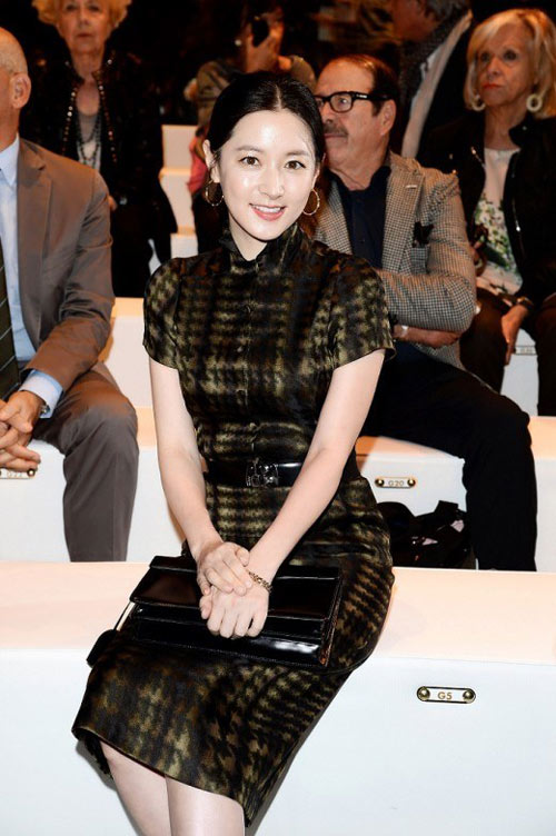 lee young ae than thien ben tbt vogue - 5