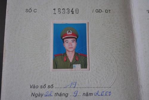"""trung uy cong an va """"giac ngu"""" 10 nam chua tinh - 1"""