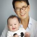Làng sao - Đức Huy: Trẻ lại khi làm cha ở tuổi 65