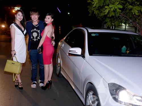 khanh phuong duoc fan nu hon tren san khau - 1