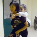 Tin tức - Xúc động hình ảnh mẹ cõng con đến trường thi