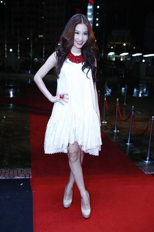 angela phuong trinh toa sang giua dan my nhan vbiz - 12