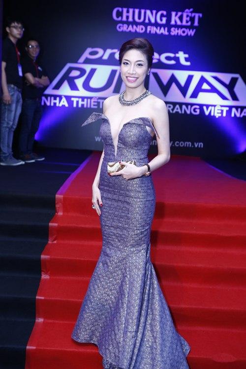 angela phuong trinh toa sang giua dan my nhan vbiz - 14