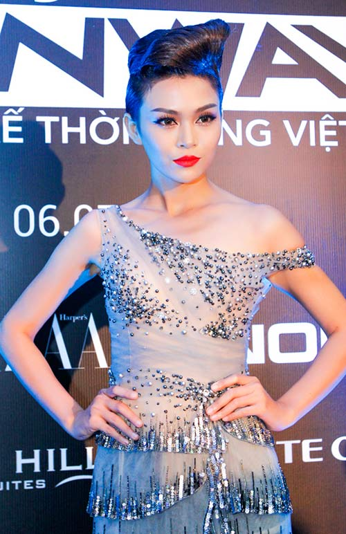 hong que sanh doi cung a quan next top model - 8
