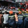 Tin tức - Cháy cửa hàng, dân giúp công an kéo ô tô chạy lửa