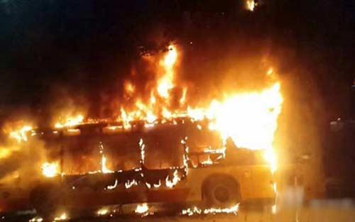 tq: no xe bus kinh hoang, 34 nguoi thuong vong - 1