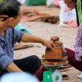 Tin tức - Độc đáo chợ gỗ bán theo cân ở Bắc Ninh