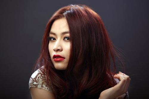 duong tinh lan dan cua nhung hot girl lan san showbiz - 2
