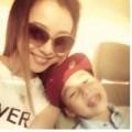 Làng sao - Jennifer Phạm hạnh phúc đón con trai về nước