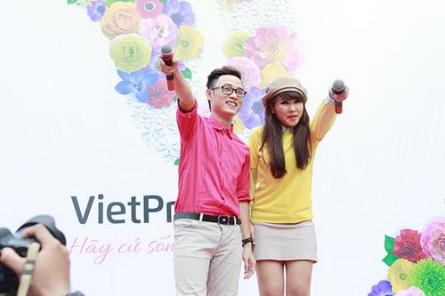 "anh thuy ""quay tung"" ung ho nguoi dong tinh - 11"