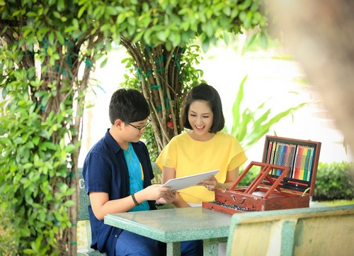 ca si thanh thuy khong muon con theo nghe thuat - 1