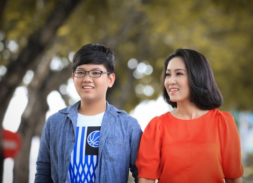 ca si thanh thuy khong muon con theo nghe thuat - 5