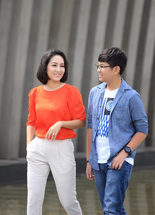 ca si thanh thuy khong muon con theo nghe thuat - 9