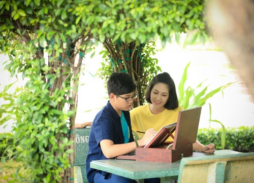 ca si thanh thuy khong muon con theo nghe thuat - 11