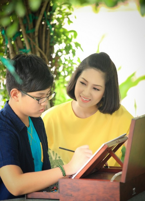 ca si thanh thuy khong muon con theo nghe thuat - 12