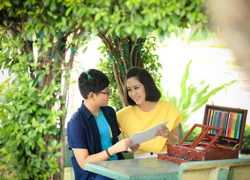 ca si thanh thuy khong muon con theo nghe thuat - 2