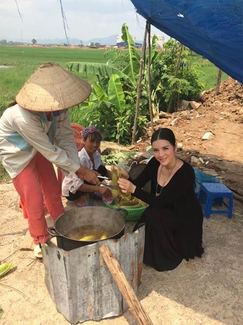 jennifer pham hanh phuc ben chong sau gio dien - 13