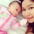 Làng sao - Loạt ảnh đáng yêu của con gái Duy Uyên khi ngủ
