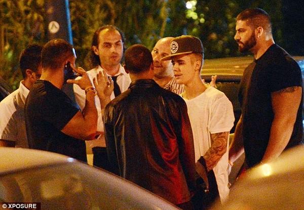 Hé lộ nguyên nhân Justin và Orlando ẩu đả - 3