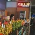 Mua sắm - Giá cả - Hoa quả Trung Quốc đội lốt hàng Việt tại sân bay Nội Bài