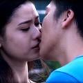Người nổi tiếng - Trương Quỳnh Anh hôn bạn diễn trên phim trường