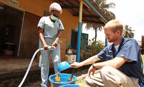 who ban bo tinh trang khan cap toan cau ve ebola - 2