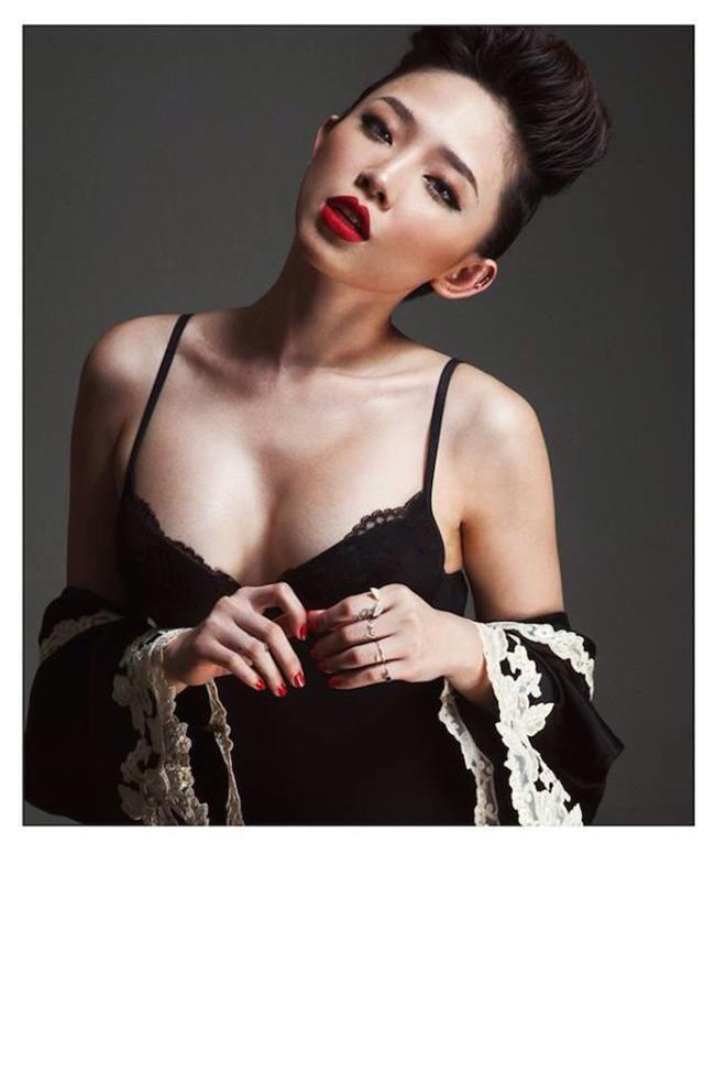 Tóc Tiên ngày càng chứng tỏ được ví trí 'hot icon' của mình trong lòng công chúng và đặc biệt là những người yêu cái đẹp.