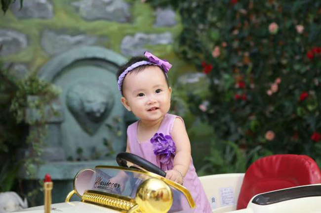 Mình là Phạm Trần Linh Đan. Mình đang bước chân sang tháng 14, mình rất thích ăn hoa quả và uống sữa.