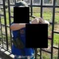 Tin tức - Bức ảnh cậu bé 7 tuổi cầm thủ cấp binh sĩ Syria gây sốc