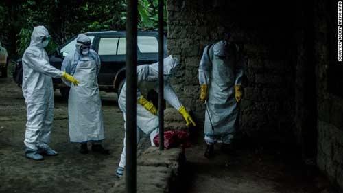 nhung hinh anh dau thuong tu vung tam dich ebola - 1