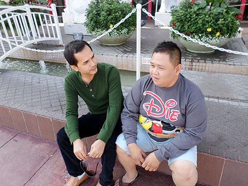 duc tien lam huong dan vien du lich cho minh beo o my - 6