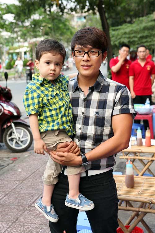 con nuoi viet huong cang lon cang dep trai - 3