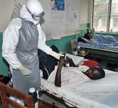 mot phu nu nghi nhiem ebola chet tren may bay - 2