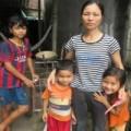 Tin tức - Xót xa cảnh vợ nuôi chồng mù và con nhỏ bệnh tật