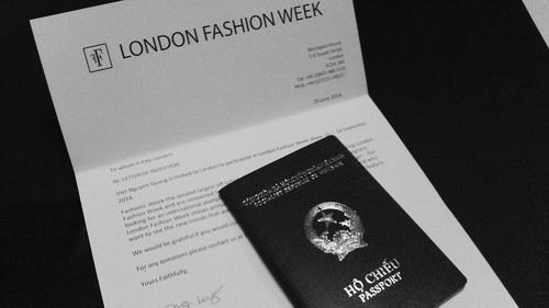 "ntk viet ""cham"" san dien london fashion week - 8"