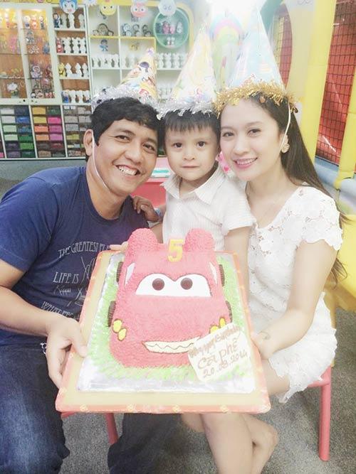 Con trai Thanh Thúy hạnh phúc đón tuổi thứ 5-5