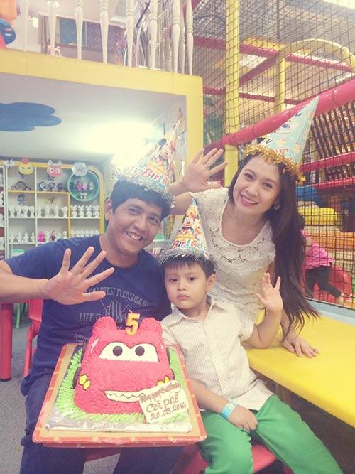 Con trai Thanh Thúy hạnh phúc đón tuổi thứ 5-6