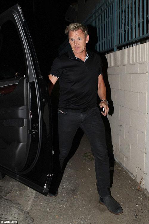 """Eva """"soi"""" 21/8: Brad Pitt gò bó khi sống cùng Angie?-4"""