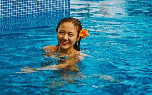 Văn Mai Hương diện bikini khoe vòng 1 nhỏ xinh - 8