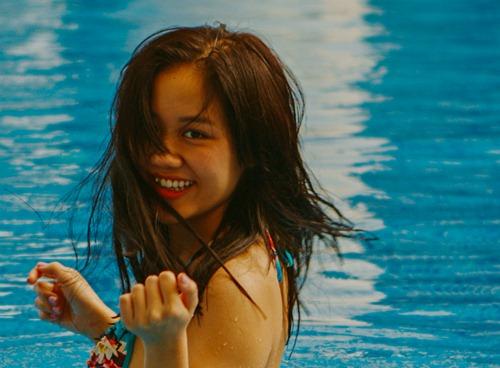 Văn Mai Hương diện bikini khoe vòng 1 nhỏ xinh - 9