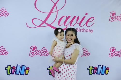 Ốc Thanh Vân làm mẹ nuôi con gái Mai Phương-1