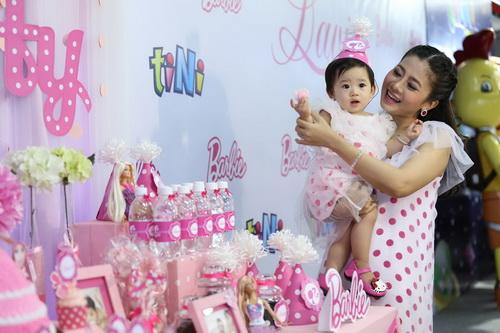 Ốc Thanh Vân làm mẹ nuôi con gái Mai Phương-3