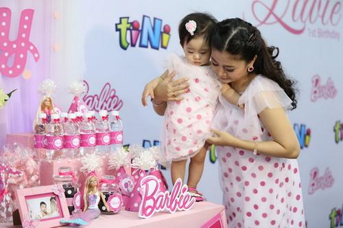 Ốc Thanh Vân làm mẹ nuôi con gái Mai Phương-4