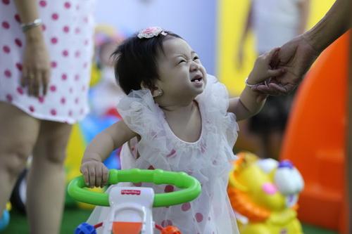 Ốc Thanh Vân làm mẹ nuôi con gái Mai Phương-5