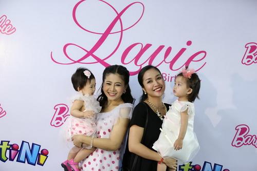 Ốc Thanh Vân làm mẹ nuôi con gái Mai Phương-12