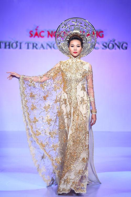 """Thanh Hằng: """"Áo dài khiến phụ nữ Việt đẹp nhất!""""-1"""
