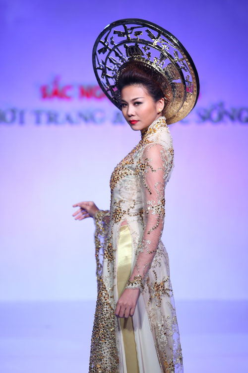 """Thanh Hằng: """"Áo dài khiến phụ nữ Việt đẹp nhất!""""-3"""