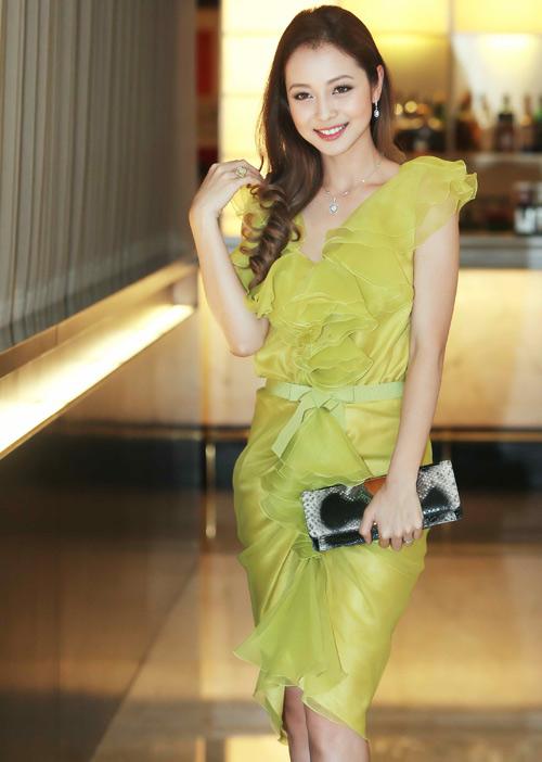 Những bộ váy ngắm mãi không chán của Jennifer Phạm - 9