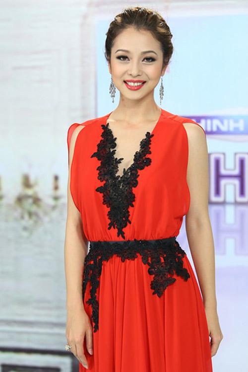 Những bộ váy ngắm mãi không chán của Jennifer Phạm - 2