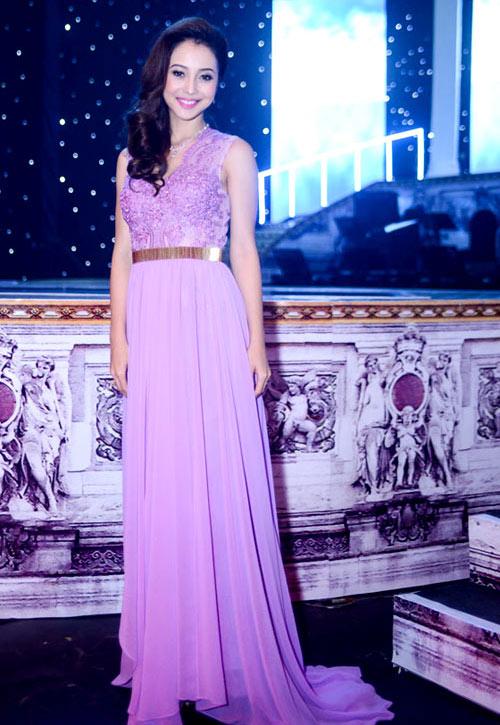 Những bộ váy ngắm mãi không chán của Jennifer Phạm - 7